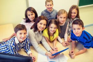 Image d'élèves et enseignantes
