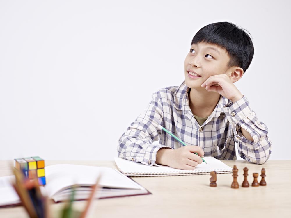 Image d'un élève aves ses livres