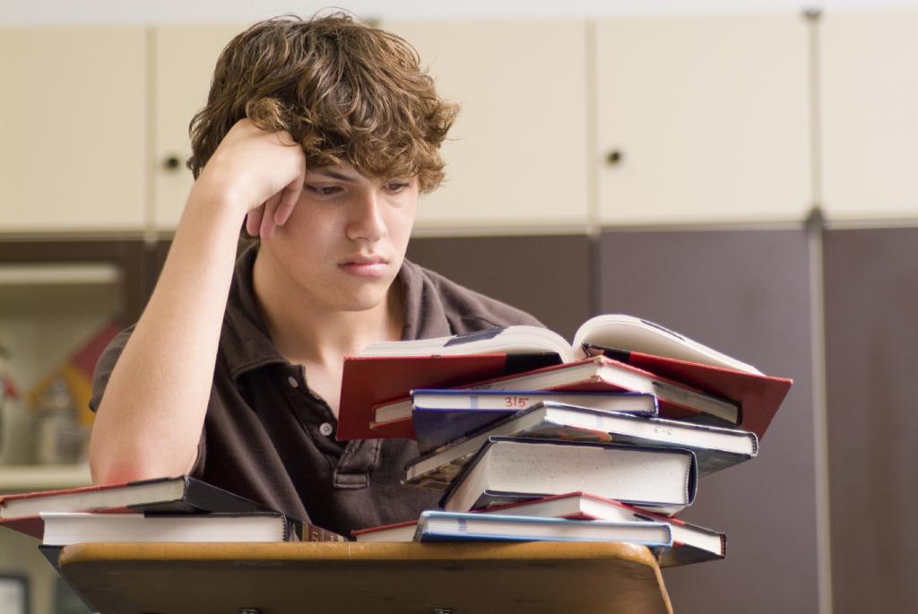 Image d'un élève qui lit