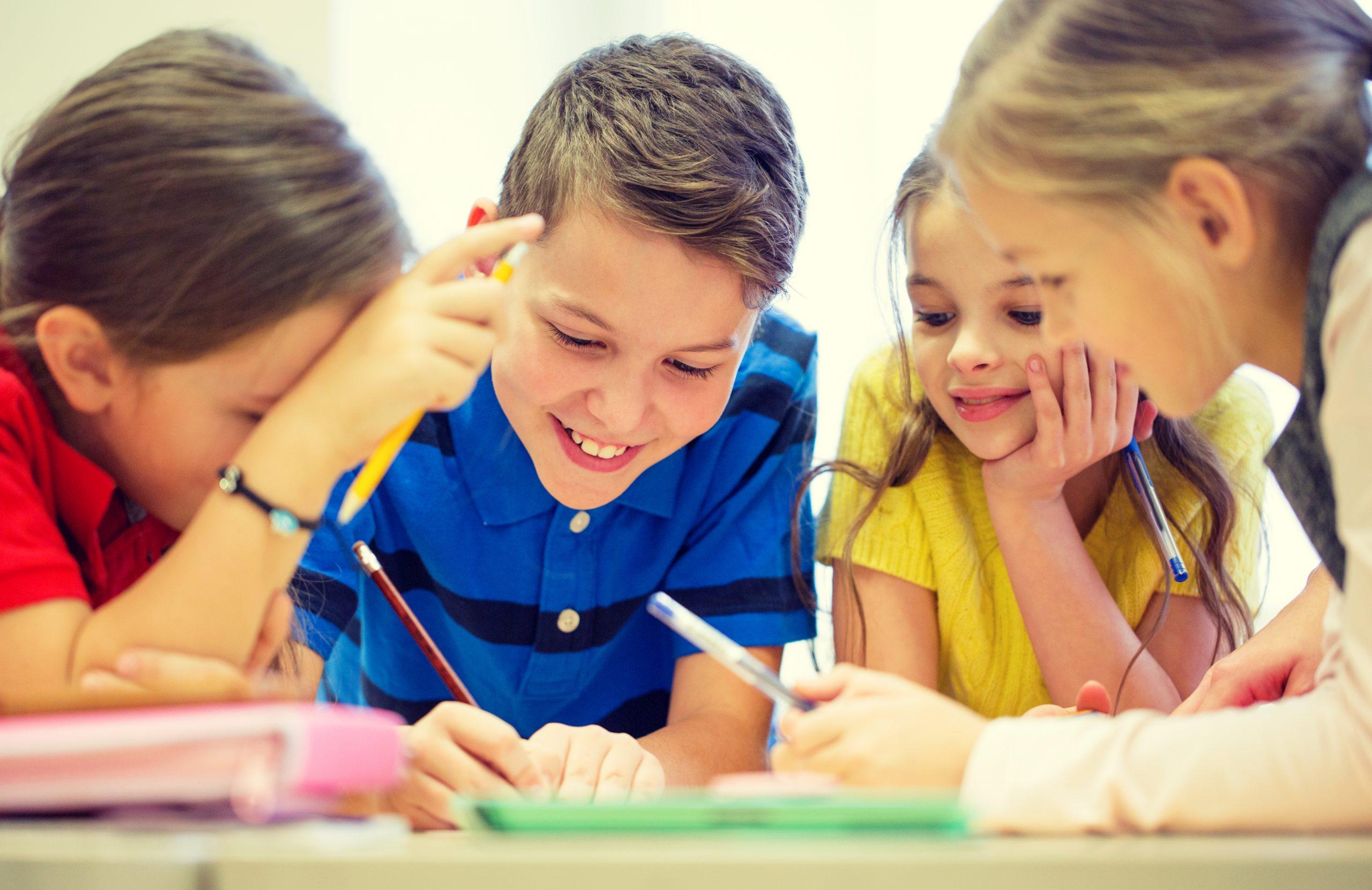 Les cercles d'auteurs pour soutenir les élèves en difficulté en écriture
